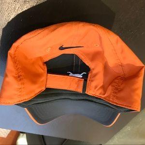 4c68ad3f931 Nike Accessories - Nike University of Texas Golf Club Hat